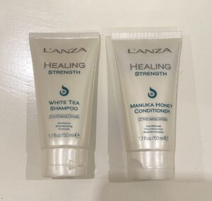 L'anza Travelset Healing Strenght shampoo 50ml & conditioner 50ml